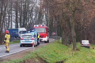 Wypadek na granicy powiatów za Kluszewem [zobacz foto]