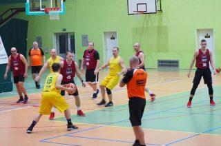 Mława Basket pierwszym liderem. Mistrzowie z wygraną