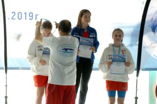 Dwadzieścia osiem medali Płetwala na własnym basenie