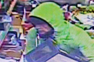Ukradł ekspres do kawy i zabawki – złodzieja poszukuje policja