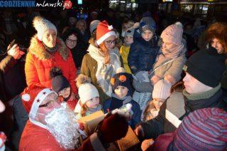 Pracowity wieczór świętego Mikołaja na Osiedlu Młodych