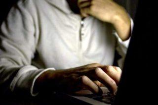 Namawiał w Internecie dzieci do samookaleczeń i samobójstwa