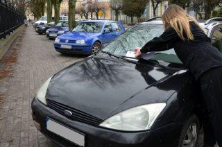Młodzieżowe patrole sprawdzały jak parkują kierowcy w centrum miasta