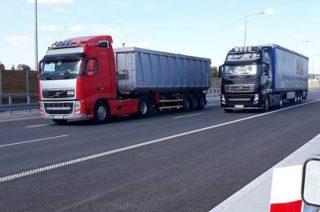 Minister pozwala na wydłużenie czasu pracy kierowców na trasach międzynarodowych