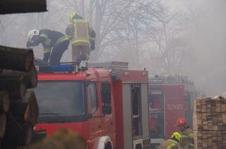 Pożar tartaku w Proszkowie