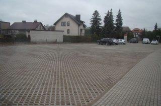 Przybyło miejsc parkingowych i nowych chodników