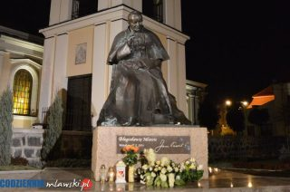 Świeca w oknie w 15. rocznicę śmierci papieża Jana Pawła II. Apel kard. Dziwisza