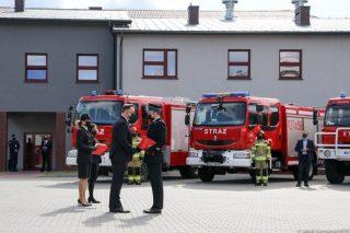 Nowe samochody ratowniczo-gaśnicze dla OSP. Sąsiedzi też dostali [zobacz film]