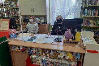 Wakacje pod znakiem koronawirusa w miejskiej bibliotece