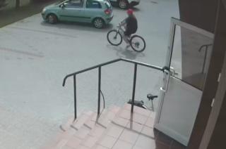 Policja publikuje wizerunek sprawcy kradzieży roweru
