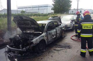 Pożar VW Passata na ulicy Instalatorów