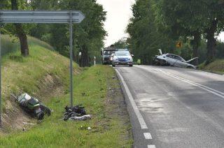 AKTUALIZACJA: Zderzenie motocyklisty z osobówką koło Nowego Nosarzewa [fot]