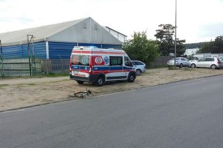 Rowerzysta kontra ciężarówka na Nowej