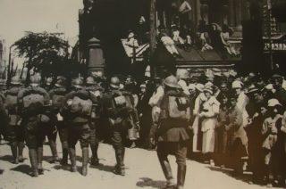 Setna rocznica bitwy warszawskiej. Wystawa plenerowa w parku