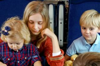 Dzisiaj dzieci jeżdżą pociągami za darmo