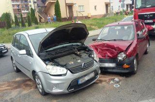 Ford kontra Fiat. Wypadek koło Wiaduktu Szreńskiego [fot.]