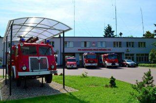 Piorun uderzył w budynek Komendy Powiatowej Straży Pożarnej w Przasnyszu
