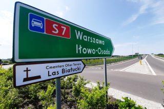Nowe znaki na drogach przypomną o miejscu kaźni w Lesie Białuckim