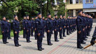 81 nowych policjantów zasiliło szeregi garnizonu mazowieckiego. Dwóch z nich trafi do Mławy