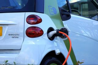 Chcesz kupić elektryczne auto dla siebie czy firmy? Są na to pieniądze