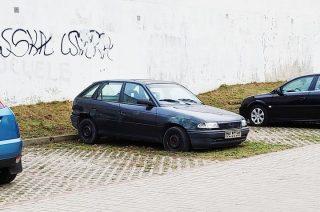 Porzucone auta w Mławie. Ciąg dalszy