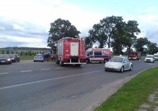 Zderzenie dwóch samochodów na DK7