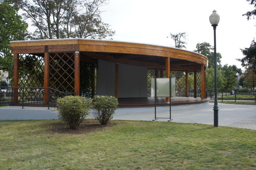Zakończyła się przebudowa estrady w mławskim parku