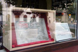 Prezydencka tablica trafiła do muzeum