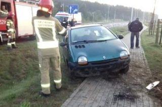 Wjechała autem do rowu