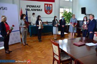 Sześć nauczycielek z powiatowych szkół uzyskało stopień nauczyciela mianowanego