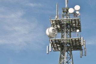 W niektórych miastach sieć 5G już działa. Czy jest szkodliwa?