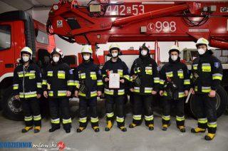 Strażacy się cieszą. Podnośnik hydrauliczny dla OSP Mława