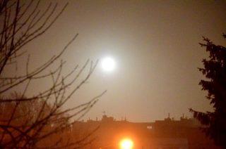 Gęstą mgłą i kanonadą fajerwerków przywitała Mława Nowy Rok