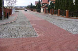 Ulica Anyszki z nową nawierzchnią