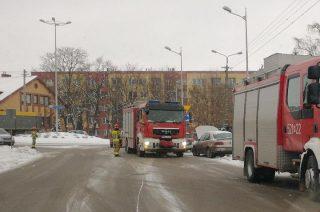 Pożar auta na Sienkiewicza. Strażacy w akcji