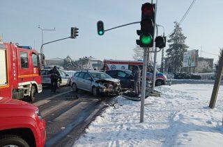 """Zderzenie aut na skrzyżowaniu Warszawskiej i """"siódemki"""""""