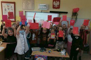 Uczniowie SP 7 własnoręcznie przygotowali walentynkowe kartki