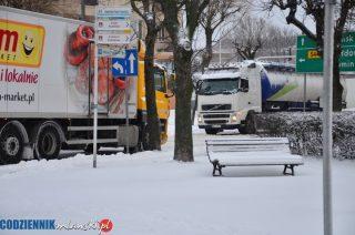 Atak zimy. Trudne warunki na drogach