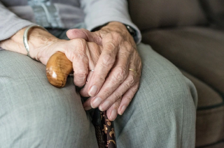 Podawały się za pracownice spółdzielni mieszkaniowej. Okradły małżeństwo 90-latków