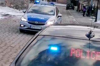Uciekał przez dwa powiaty. Przed policjantami schował się pod auto