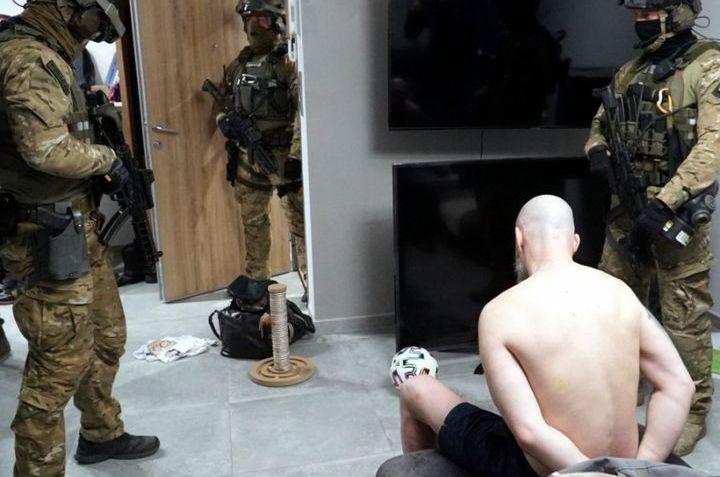 Mławska akcja antyterrorystów. W tle narkotyki z Hagi [FOTO i FILM]