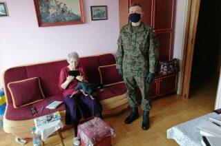 Zadbali by seniorzy nie czuli się samotni w Święta. Terytorialsi m.in. w Bogurzynie i Przasnyszu