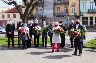 Dzień patrona miasta. Msza św. i kwiaty pod pomnikiem św. Wojciecha