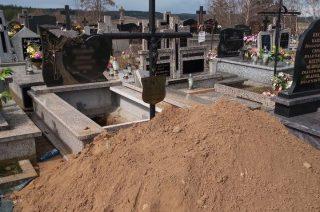 W tym grobie ktoś został pochowany i szacunek mu się należy