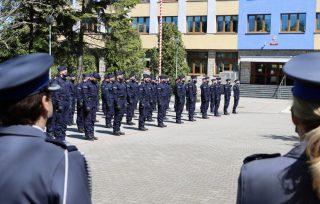 84 nowych policjantów w garnizonie mazowieckim