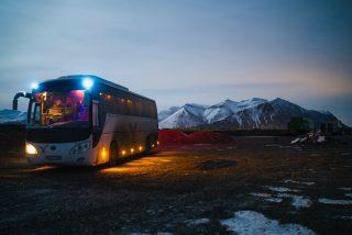 Wynajem busa – na co zwrócić szczególną uwagę wynajmując busa