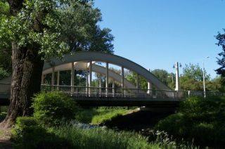 Uszkodzony most w Ciechanowie. Są objazdy