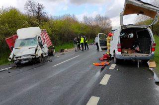 """Poważny wypadek na """"siódemce"""" w Mławie. Trasa zablokowana [FOTO]"""