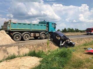 AKTUALIZACJA: Wypadek na siódemce w miejscowości Kondrajec Szlachecki. Dwie osoby nie żyją
