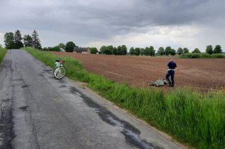 Uciekał motocyklem. Dogonił go policjant … rowerem! [FILM]